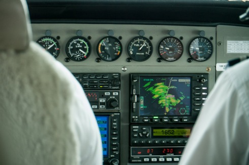 Instruments and gauges in the plane